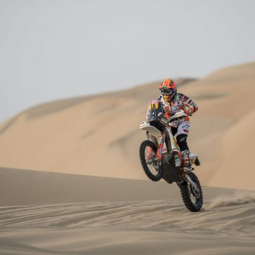 Laia Sanz (ESP) of KTM Factory Team races during stage 03 of Rally Dakar 2018 from Pisco to Marcona, Peru on January 8, 2018 // Marcelo Maragni/Red Bull Content Pool // P-20180108-00567 // Usage for editorial use only // Please go to www.redbullcontentpool.com for further information. //